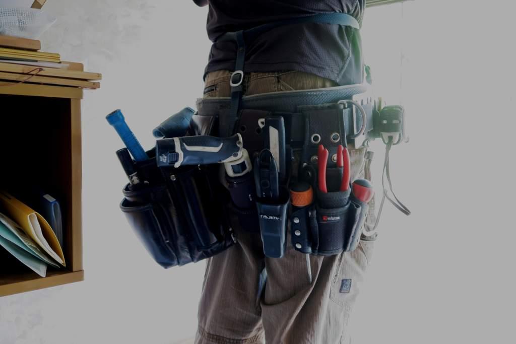 電気工事者の腰周り工具