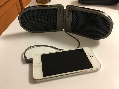 iphoneとスピーカーをつなぐ
