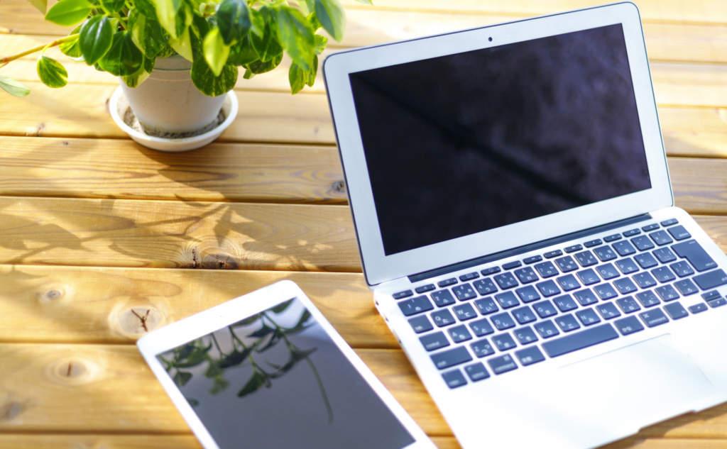 ノートPCとタブレット