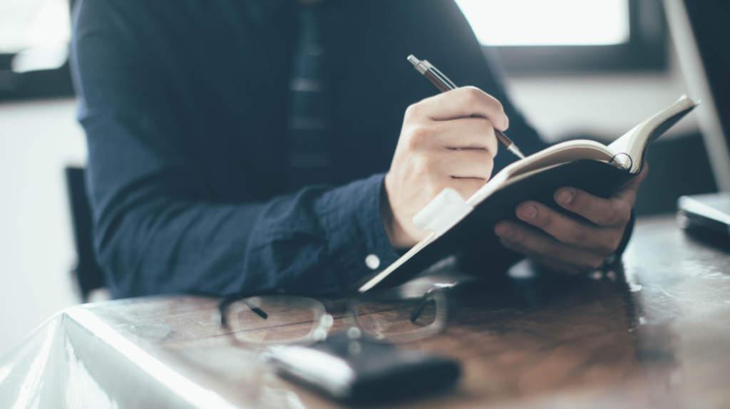 手帳を書く